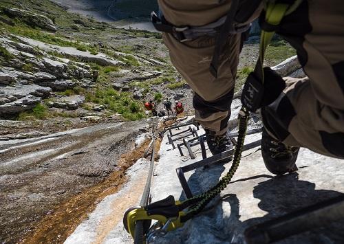 Mit Klettersteigset auf die Zugspitze